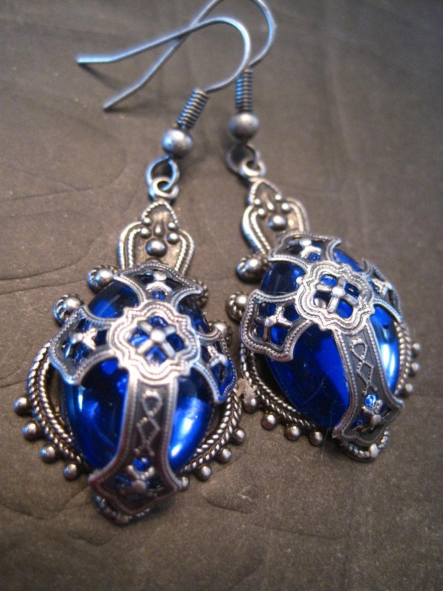 medieval_cross_earrings_by_etherealcreationetsy.jpg